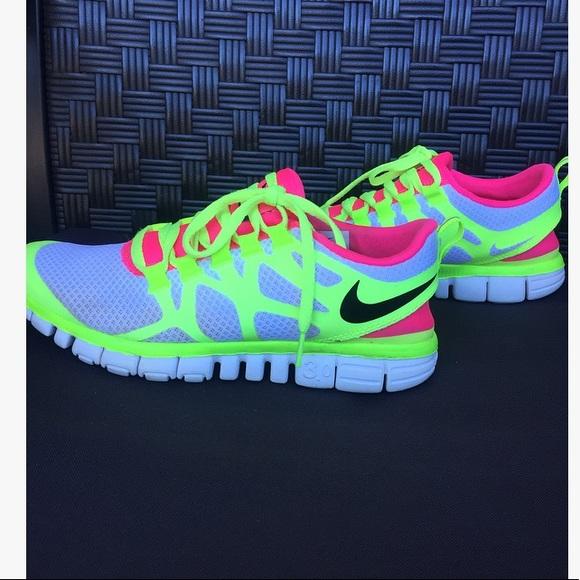 9cd2e11cdc4 NIKE Free 3.0 V3 White Pink Yellow Running Shoes. M 5a709ce0077b97ada0e33789